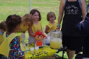 La Playa Co-op Stands Up Against Cancer with Alex's Lemonade Stand