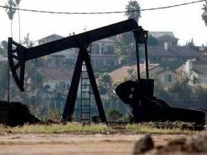 los-angeles-oilfield-baldwin-hills-environmental-racism-beverly-hills-high-school-health-problems