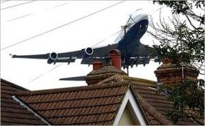 Low-flying-jumbo-jet_432_tcm21-161421