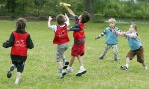 Schoolchildren-play-with--011