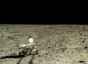 475pxRoving Moon with Yutu