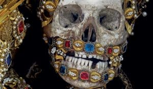 Paul-Koudounaris-from-his-book-Heavenly-Bodies-Cult-Treasures-and-Spectacular-Saints-from-the-Catacombs-Thames-and-Hudson-Ltd-MED-1024x600