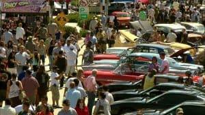 559765628-custom-car-culver-city-customizing-car-show
