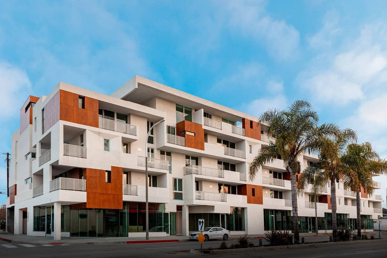 the-lucky-residences-los-angeles-ca-building-photo