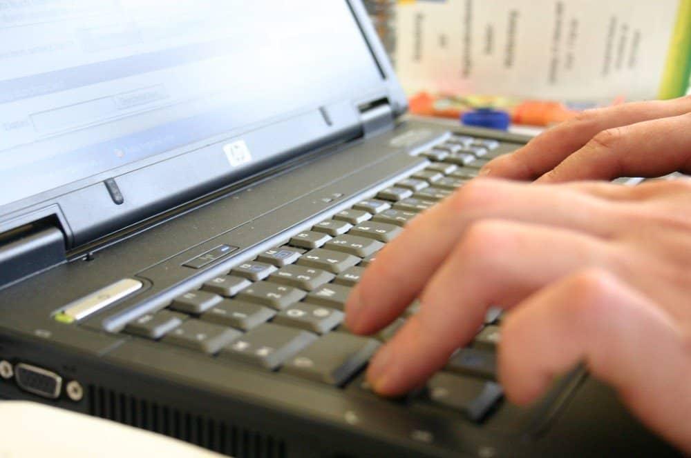 20190905-064624-typing-blogging-laptop-computer