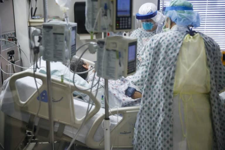 Virus Outbreak Inside A New York ER