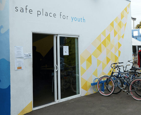 25922_ca_90291_bills-clinic-at-safe-place-for-youth_zet